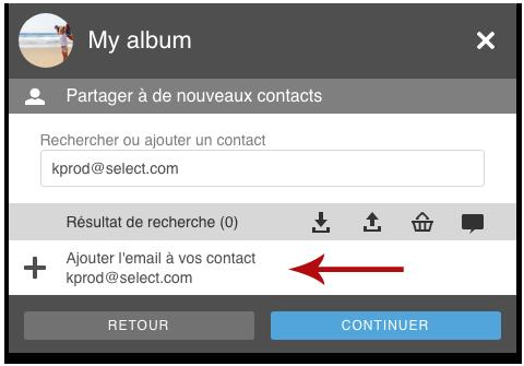 Ajouter de nouveaux contacts au moment de partager votre album.